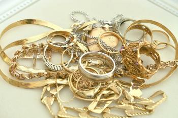 Les ventes de bijoux en or explosent