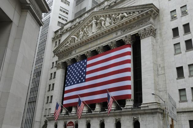 De aandelenmarkt omhoog en de dollar naar beneden